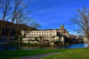 Le Château de Lavoûte-Chilahc, sur l'un des plus beau méandre de l'Allier