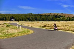Location de vélos à assistance électrique -Adultes & enfants -remorques pour enfants - Auvergne - Le Puy-en-velay