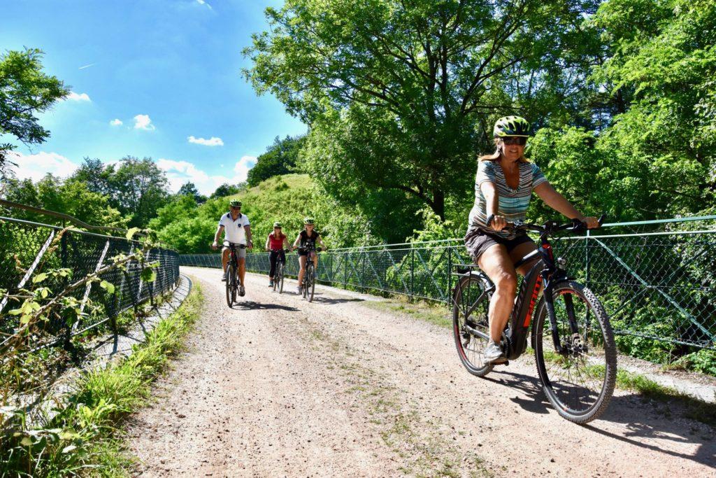 A vélo électrique sur la Via Fluvia